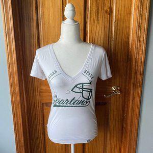 Nike Slim fit Michigan State V-neck shirt-Small